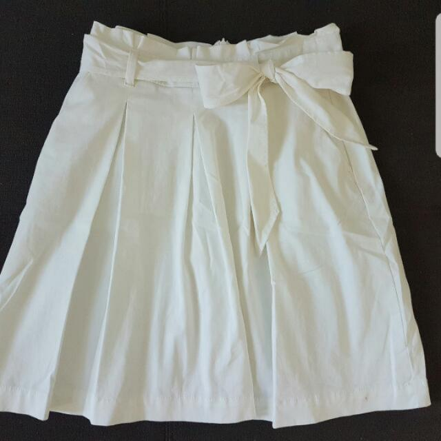 Veronika Maine Size8 White Skirt