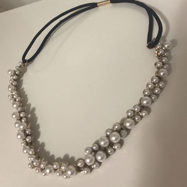 White & gold beaded necklace for sale