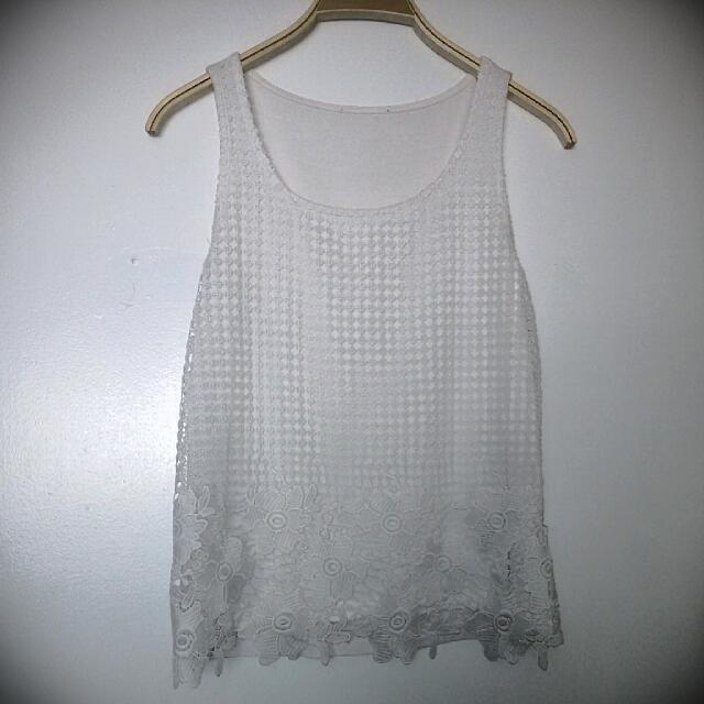 White Lace Top Size S