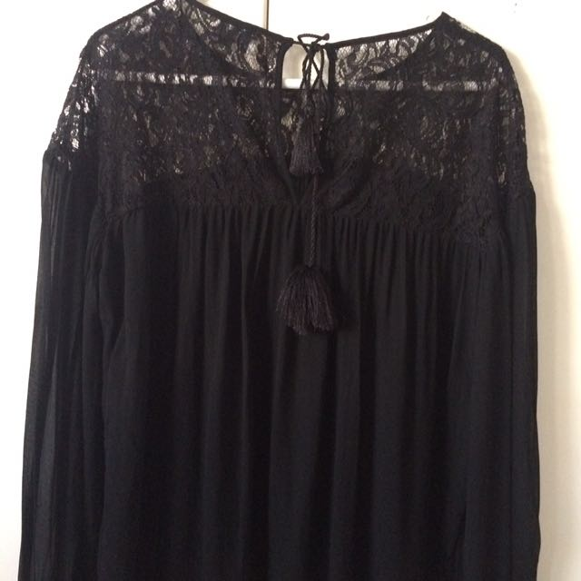Witchery Black Lace Top Size 8