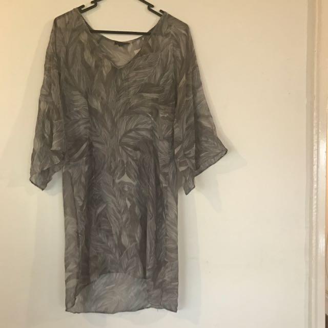 Women's Size 6 Chiffon Dress