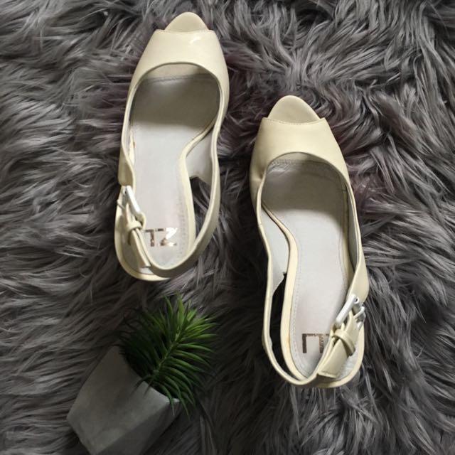 Zu Red and White Slingback Peep Toe High Heels (7)