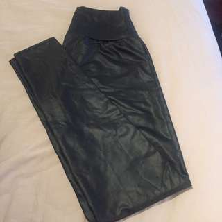 Faux Leather Stretchy Leggings With Shine