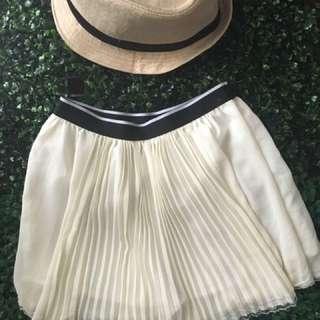 Pleated White Short Skirt