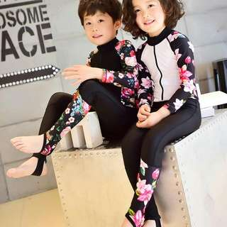 Conjoined Swimsuit / Swimwear For Boys And Girls / Longsleeves