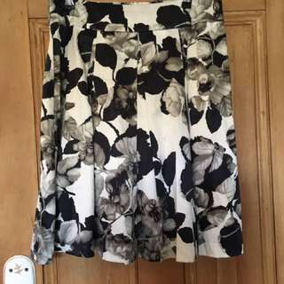 Review Size 12 Aline flared floral skirt