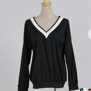 (M/L) Long Sleeve V Neck Shirt