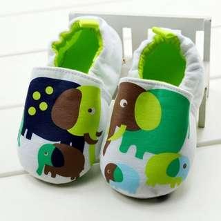 小市民倉庫~可愛大象不掉鞋-學步鞋-寶寶鞋-嬰兒鞋-幼兒鞋-室內鞋-布底鞋-坐螃蟹車穿-彌月送禮-特價1雙150元