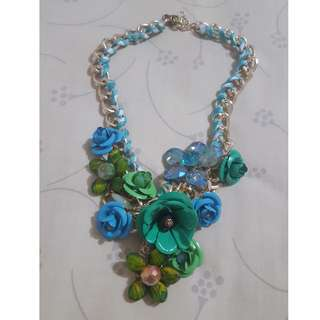The Green-Blue-Flower Necklace