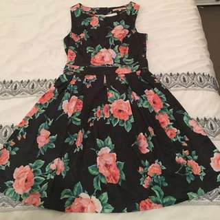Review size 10 Lavinia Dress, black with peach floral, Aline, pleated fit and flare with keyhole detail at back
