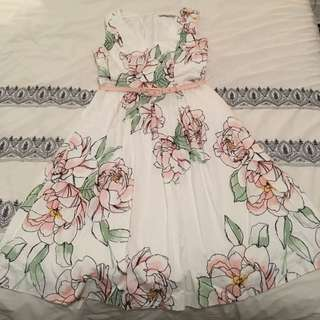 Review size 10 white and pink floral sundress, cotton pleated fit and flare