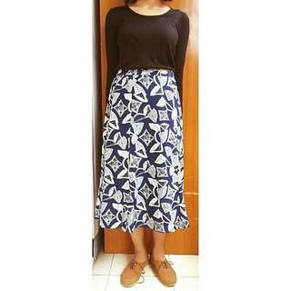 SALE 10%! PATTERN NAVY SKIRT