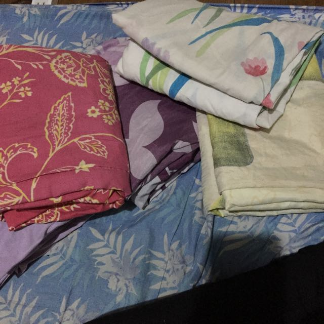 5 Pcs Bed Sheet (37 1/2 x 74)