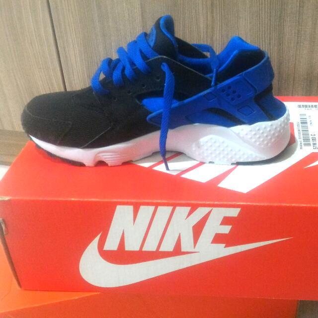 #轉轉來交換 Nike Huarache Run 黑藍白 6.5Y 24.5cm