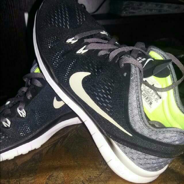 Authentic Nike Running Shoe 5.0