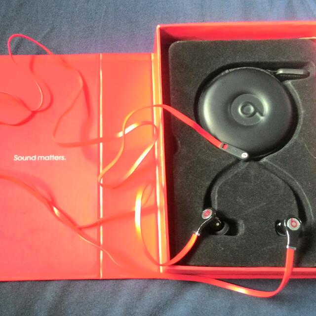 Beats By dr. dre  Authentic/Original Complete With Box And Extra Rubber Caps