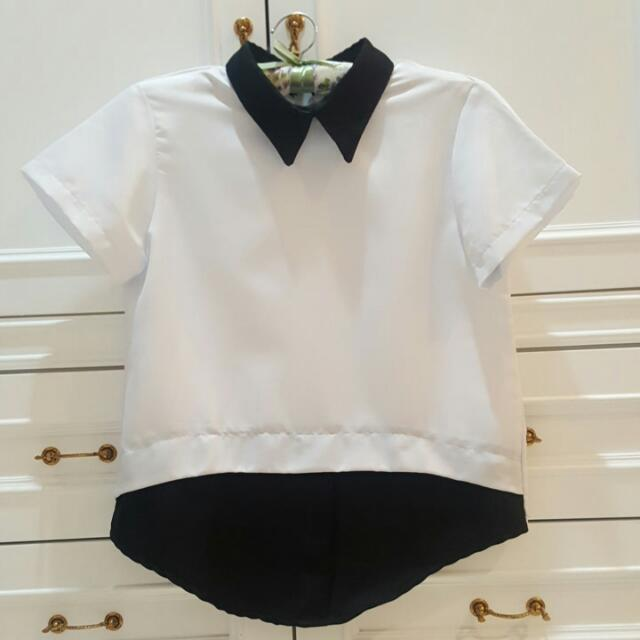 Casual Top With Black Collar