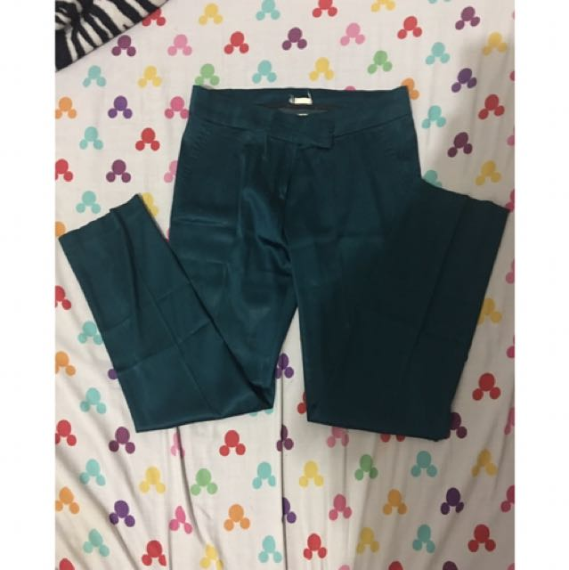 celana panjang bahan hijau metalik size XL / L