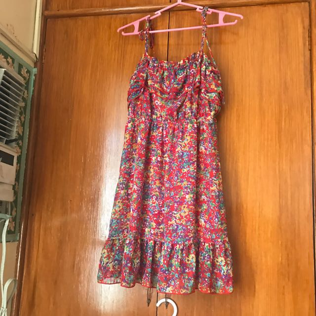 🌟F21 Red Floral Dress