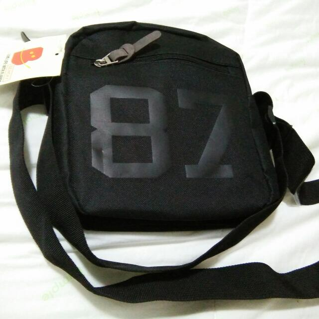 FREE!! AUTHENTIC BENCH SLING BAG
