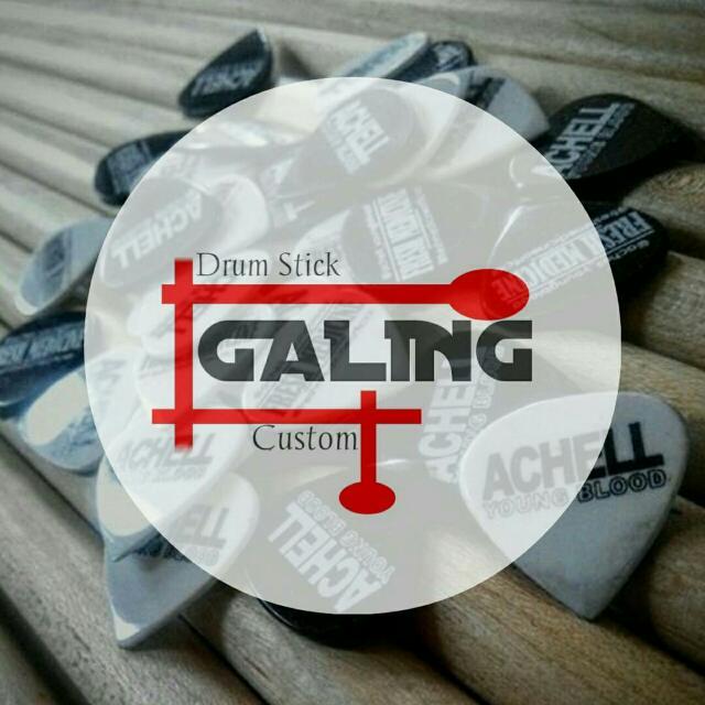 Gitar pick custom 1mm(pvc) 150rb/100pcs , bahan 2mm 170rb / 100pcs