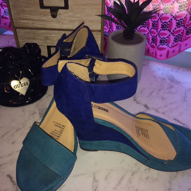 Green And Blue Wedges