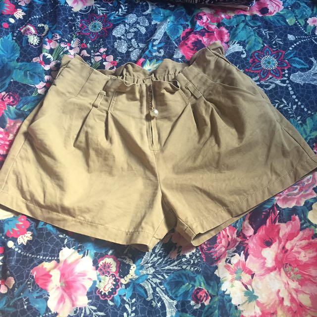 HW Khaki Shorts