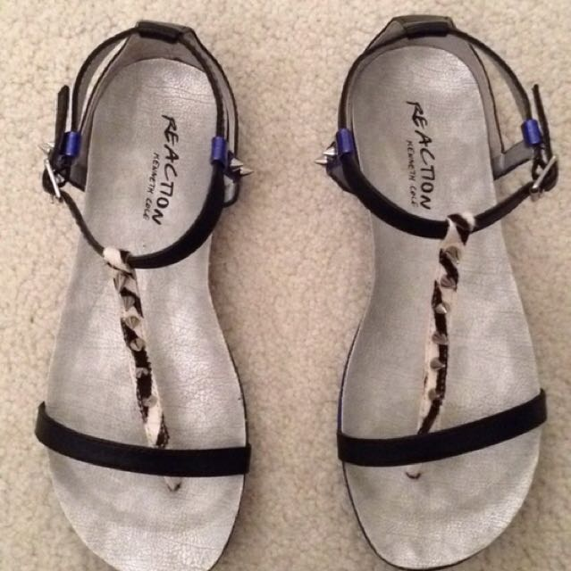 Kenneth Cole Reaction Size 6 Sandals
