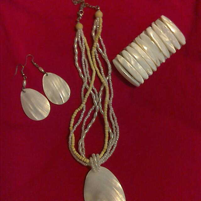 Mother Of Pearl Jewelry Set!