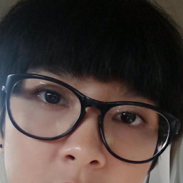 Original Calvin Klein Eye Glasses (kaca Mata Minus Dan Silinder Warna Hitam) Beli Di Optik Seis. Ada Case. Lensa Merk Cryzal. Tp Kalo Ga Cocok Minusnya, Ganti Sendiri Di Optik Seis