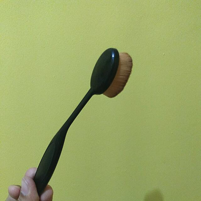 Oval Brush (No Brand)