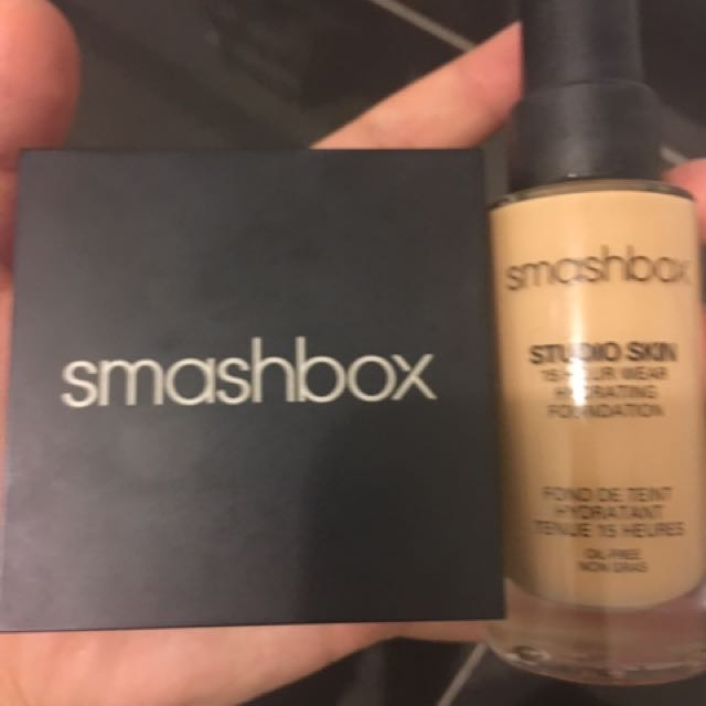 Smashbox Powder Foundation And Liquid Foundation
