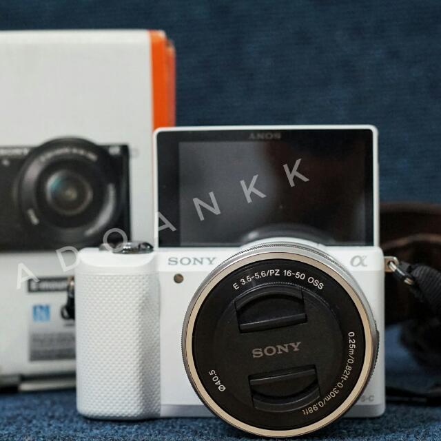 Sony A5000 (White)