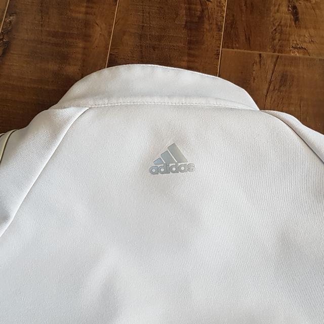 Women's Adidas Climaproof Wind Tan Beige Full Zip Jacket Shoulder Embleishment SZ MEDIUM