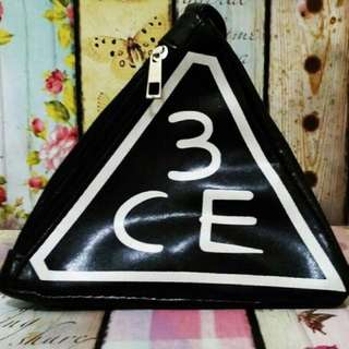 Pouch Makeup 3CE / 3 Concept Eyes Triangle