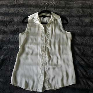 Sleeveless Cream Collar Shirt