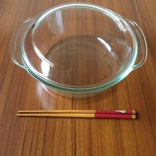 一套2件精美玻璃盤