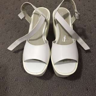 Size 7 Lipstick Platform Heels - White And Cream