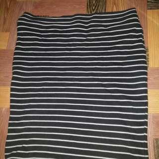 Plus size pencil cut skirt