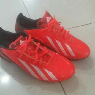 Soccer Cleats.adidas F15