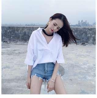 「現貨」●春裝新款韓版百搭掛脖寬松顯瘦上衣V領襯衣白色襯衫女裝潮T031