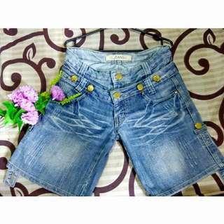 (Preloved) Hot Pants IS JEANS RE BIRTH
