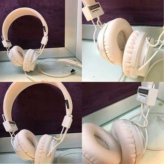 PURE WHITE HEADPHONES