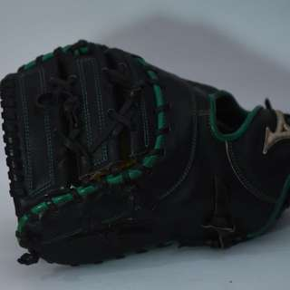 MIZUNO LEFT HANDED FIRSTBASE MITT