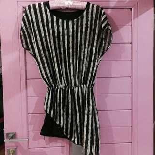 Stripe dress ( FREESIZE) fit to L
