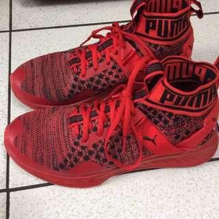急售!!!PUMA襪套式球鞋-紅 Us8