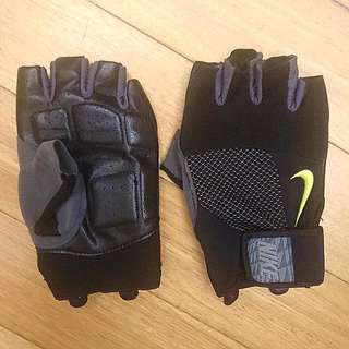 Nike PRO ORIGNAL Training Gloves {Perfect for BIKING and GYM use}