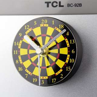 Darts Refrigerator Magnet Clock