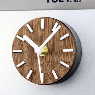 Retro Refrigerator Magnet Clock
