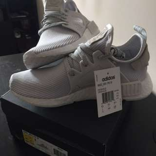 Women's Adidas NMD XR1 Size 7 Vintage White